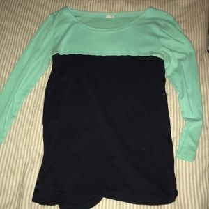 Two toned 3/4 sleeve shirt